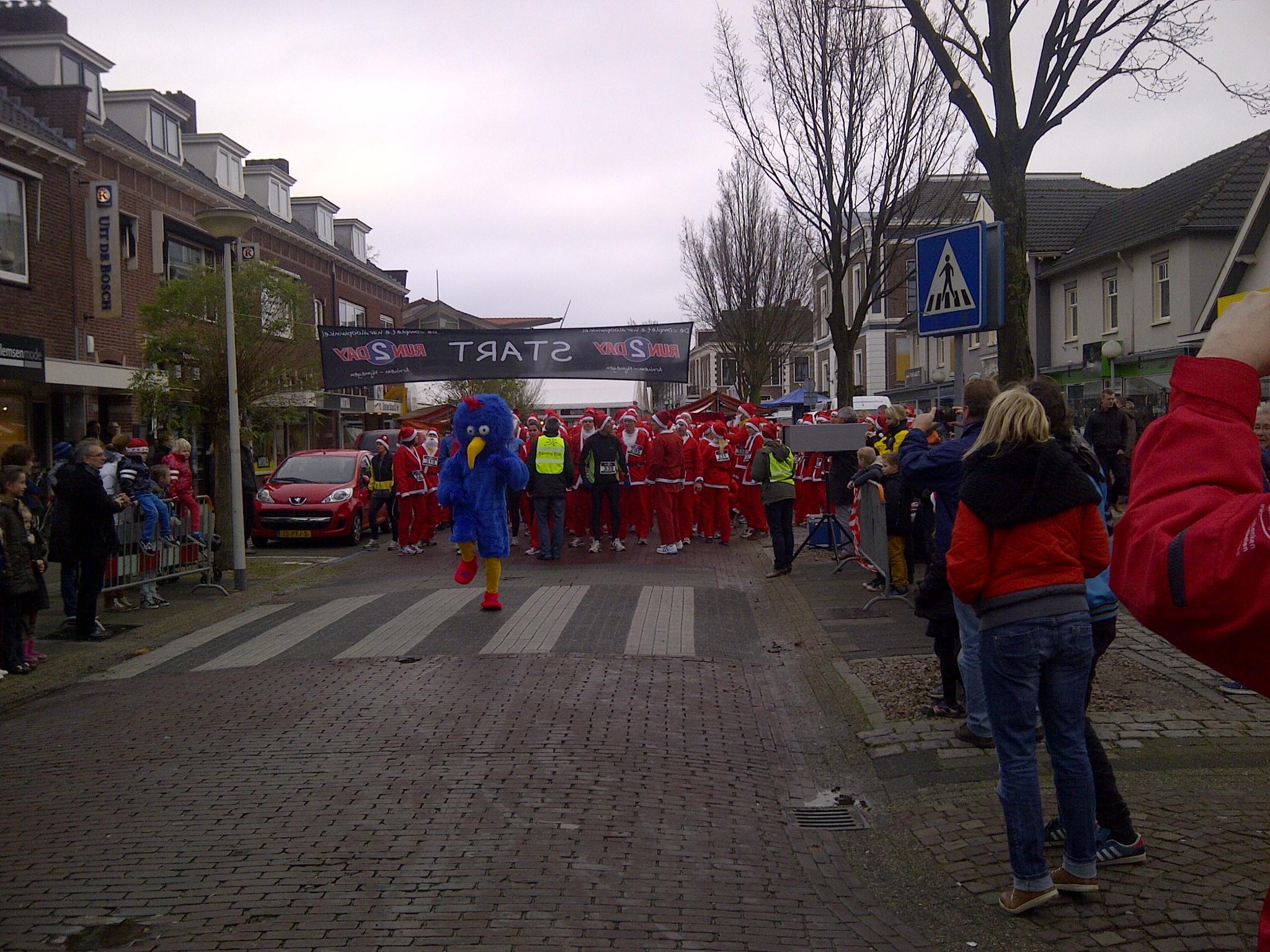 Foto Start Kerstmannenloop